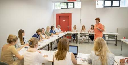 Groep in vergadering gesprek