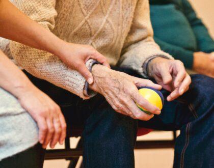 Omgaan met klanten met dementie - erkende opleiding dienstencheques voor huishoudhulpen