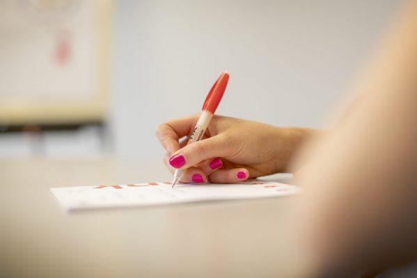 schrijven op notablok Vonk (2)